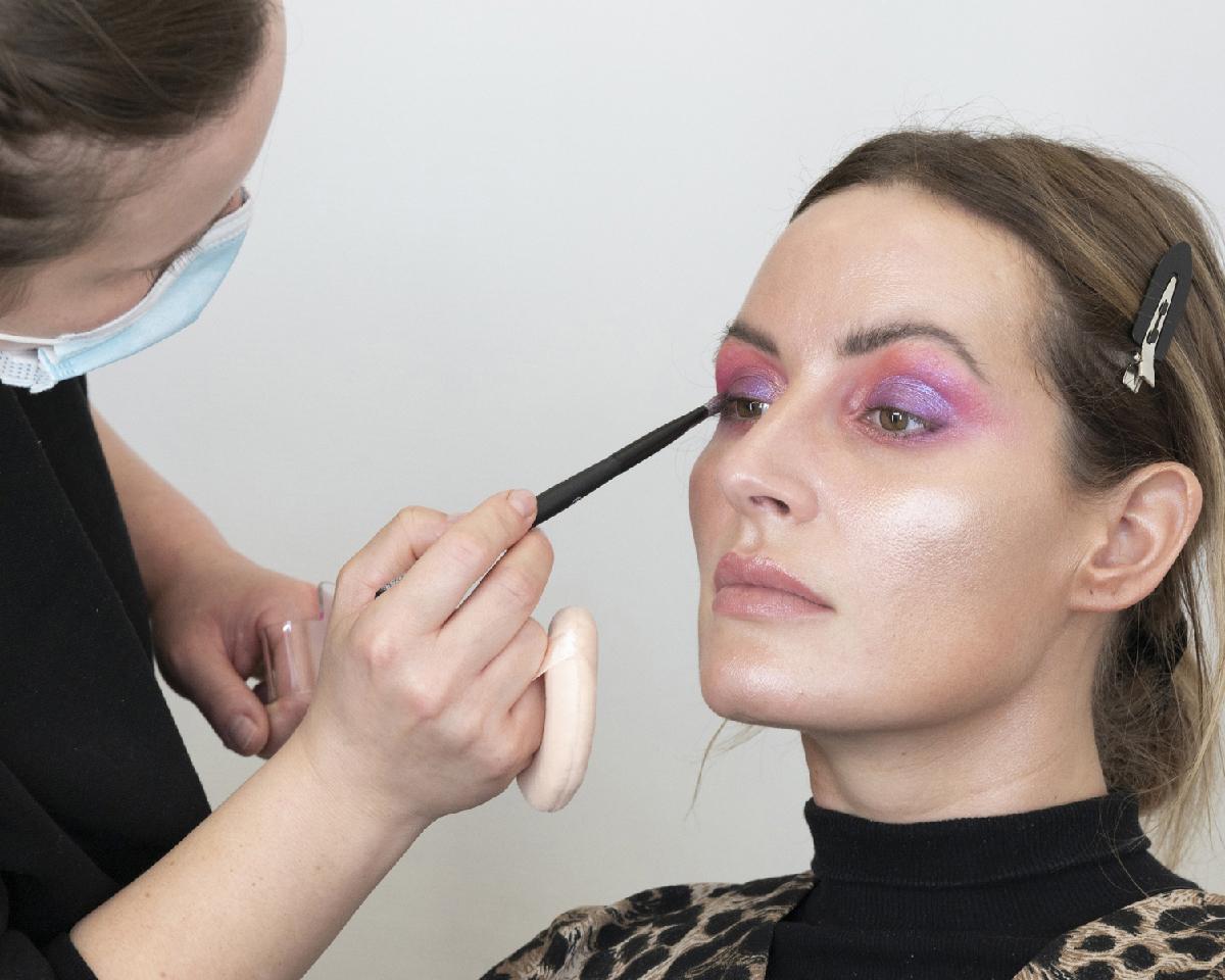 Look-2021-Yasmin-Heinz-HBK-Kosmetikschule